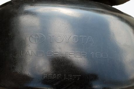 Подкрылки Toyota LAND CRUISER 100 задняя пара 1998-2007